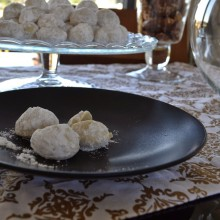 Κουραμπιέδες my way – Greek Traditional Sweets
