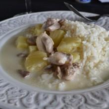 Κοτόπουλο με γάλα καρύδας, ανανά & ρύζι  – Chicken & Rice with coconut milk and pineapple