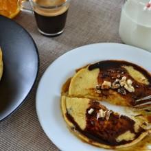 Food Challenge : Τηγανίτες με καλαμποκάλευρο ολικής άλεσης & σιρόπι μελάσας – Pancakes with wholegrain flour & molasses syrup