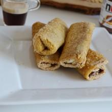 Ρολάκια με nutella, μπανάνα, μπισκότο