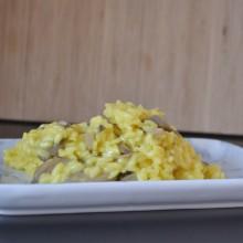 Ριζότο με κρόκο Κοζάνης και μανιτάρια