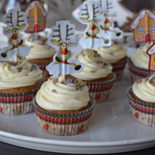 Gingerbread Cookies with clementine buttercream