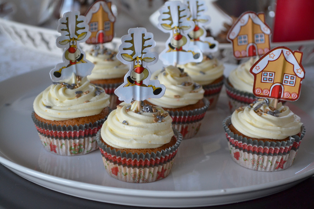 tangerine gingerbread cupcakes DSC_0003