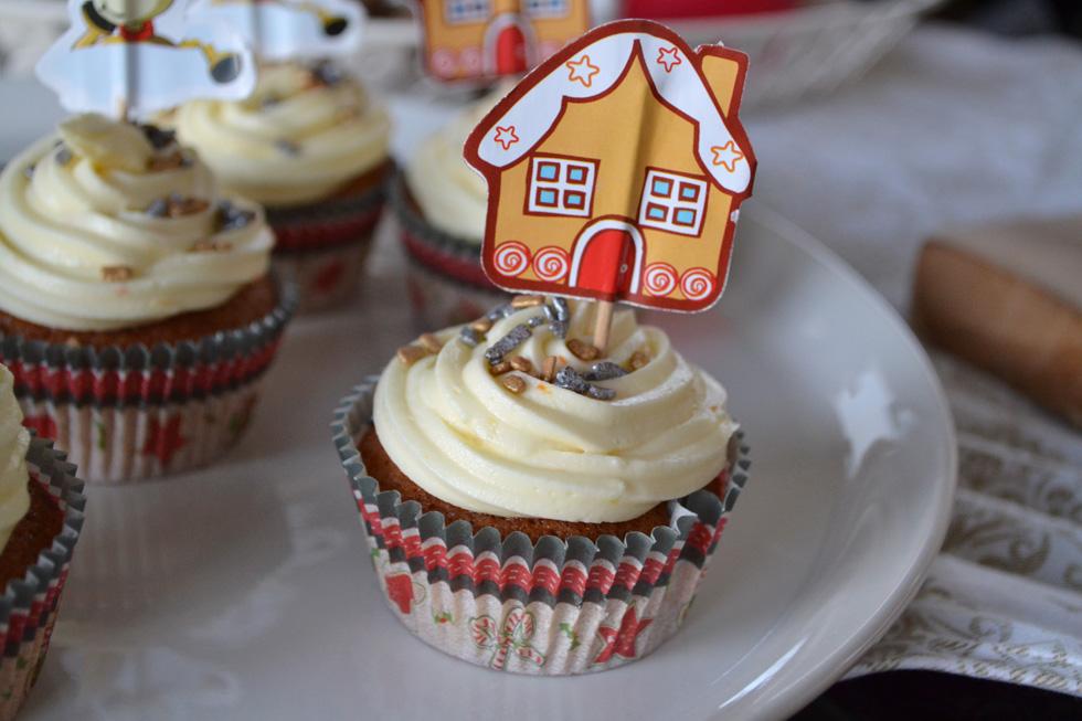 tangerine gingerbread cupcakes DSC_0007