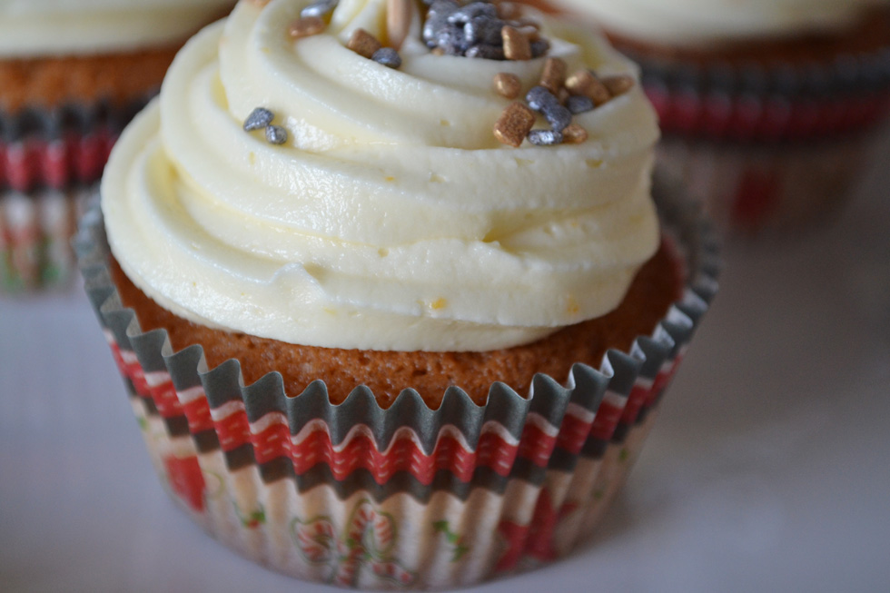 tangerine gingerbread cupcakes DSC_0041