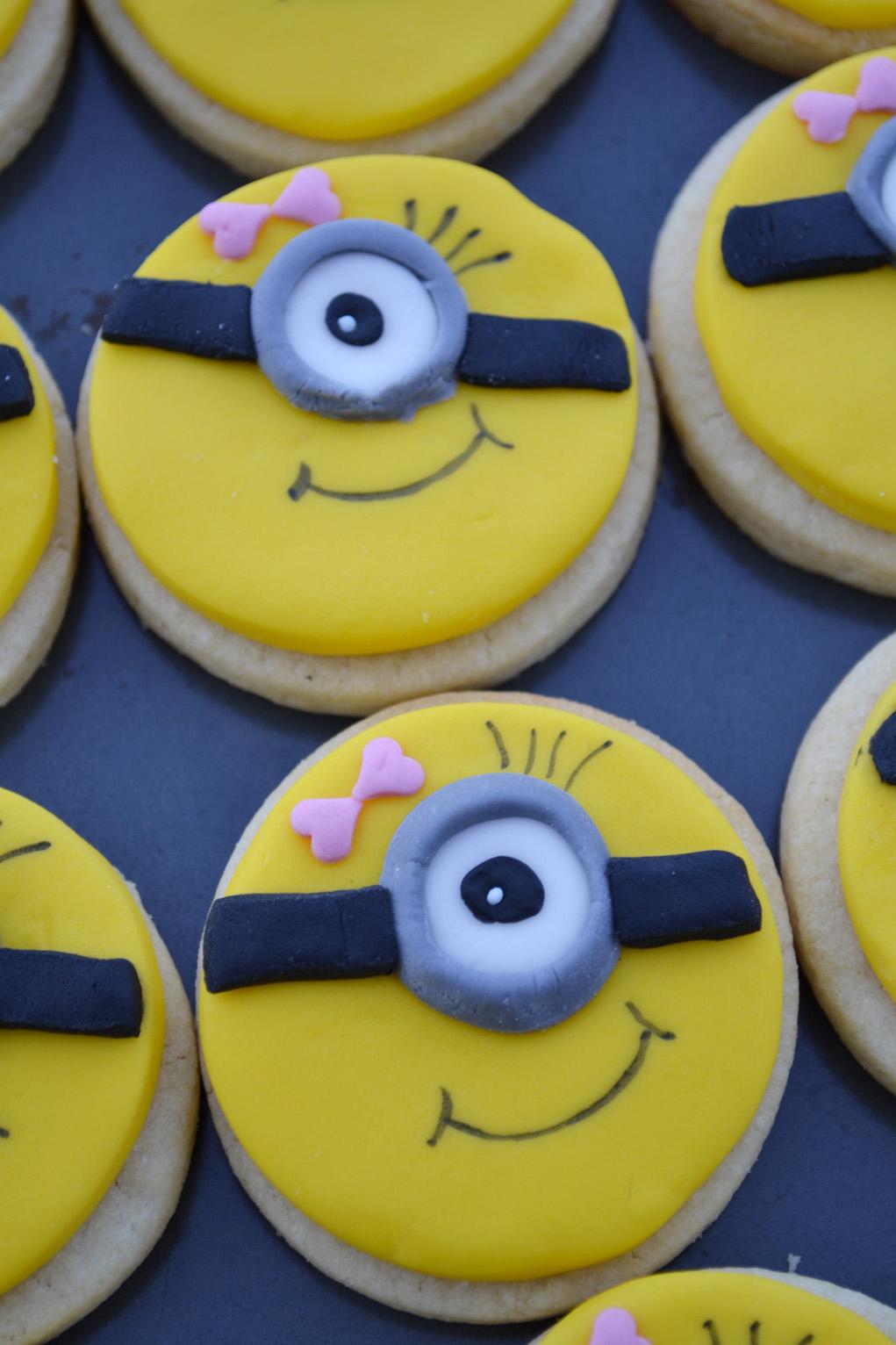 girl minion cookies DSC_0020