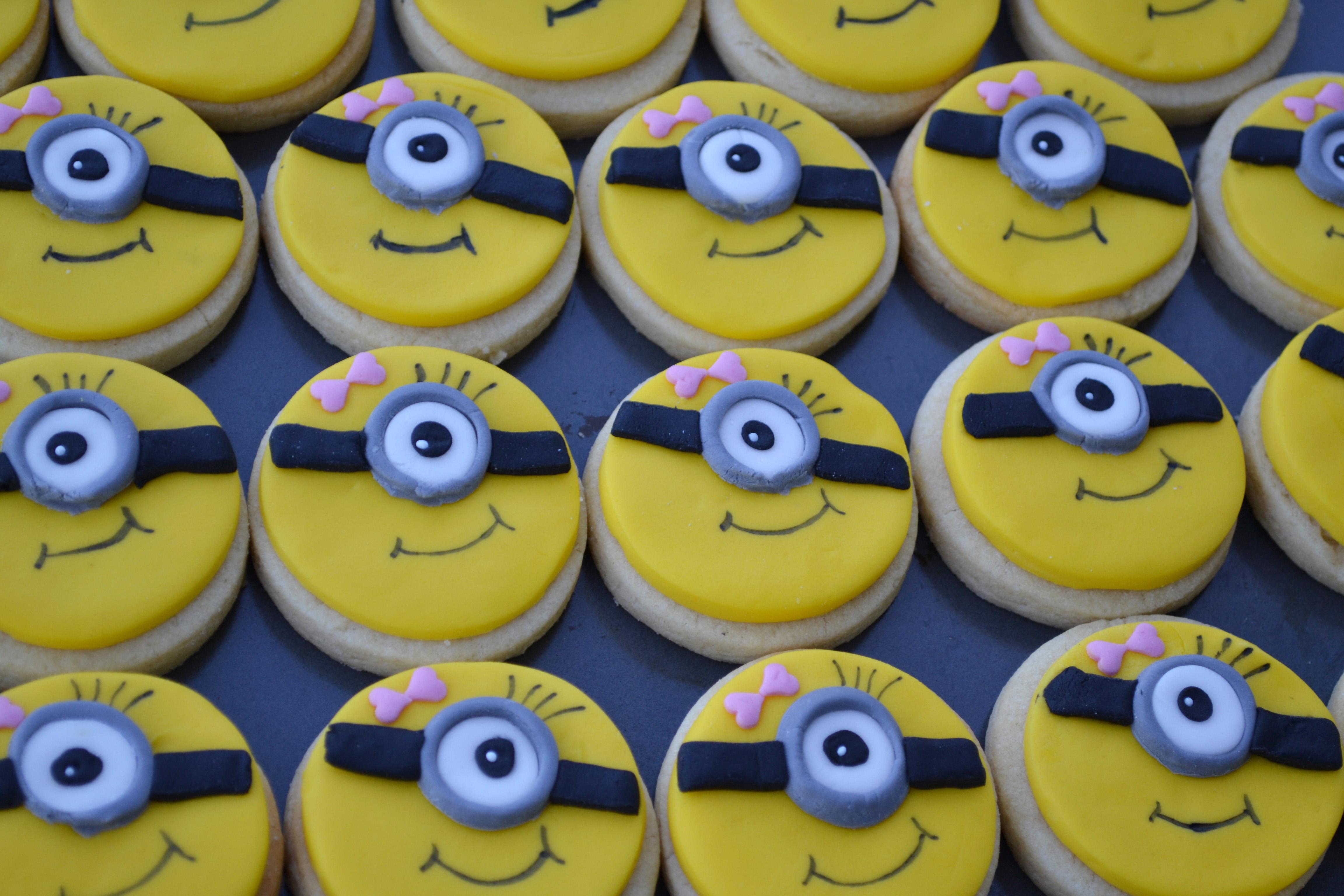 girl minion cookies DSC_0036