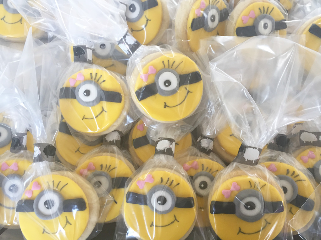 girl minion cookies IMG_2829