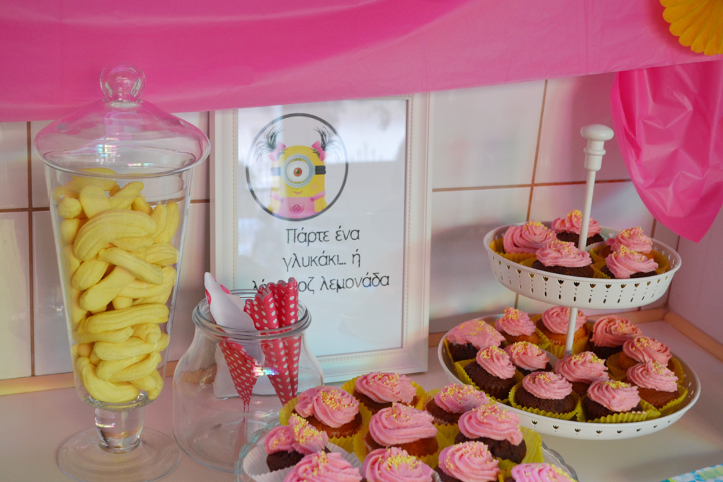 girl minion party candy bar