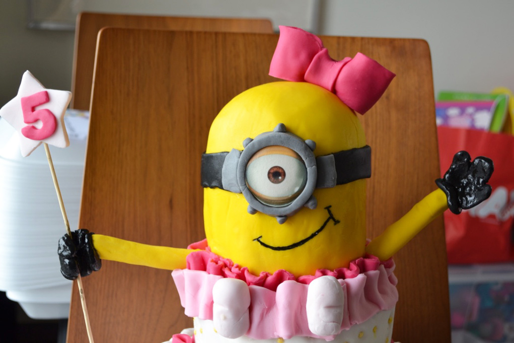 minion girl cake 1
