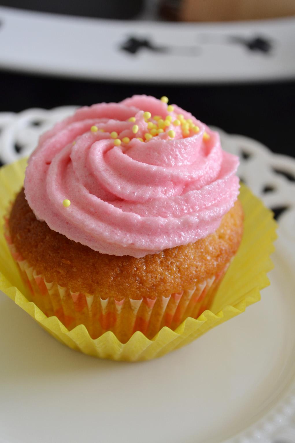 vanilla cupcakes 2