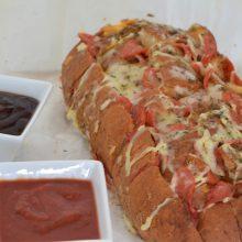 Ψωμί Πίτσας με πεπερόνι και τυρί κρέμα