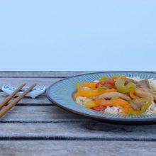 Κοτόπουλο με χειροποίητη γλυκόξινη σάλτσα & ρύζι