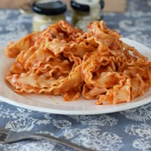 Back to Basics – Μακαρόνια με κόκκινη σάλτσα