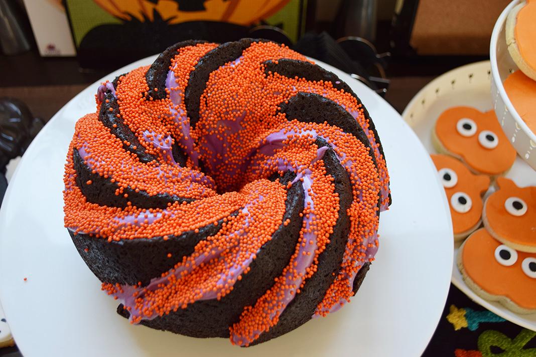 halloween black velvet cake__0050