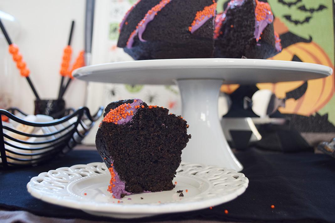 halloween black velvet cake__0090